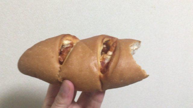山崎製パン包み焼きピザパンの外観